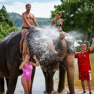 Elephant Bathing - Mr. Moo Tour Khao Lak